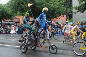 Fremont_Solstice_Parade_2011_-_cyclists_145
