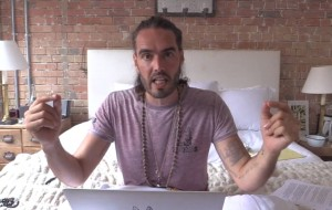 2A2B562000000578-3147144-Controversial_comedian_Russell_Brand_has_blamed_the_UK_Governmen-a-61_1435855459874