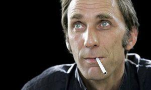 Will-Self-smoking--007