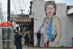 australia-us-politics-art-graffiti-072031