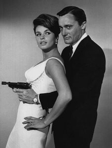 453px-senta_berger_robert_vaughn_man_from_uncle_1964